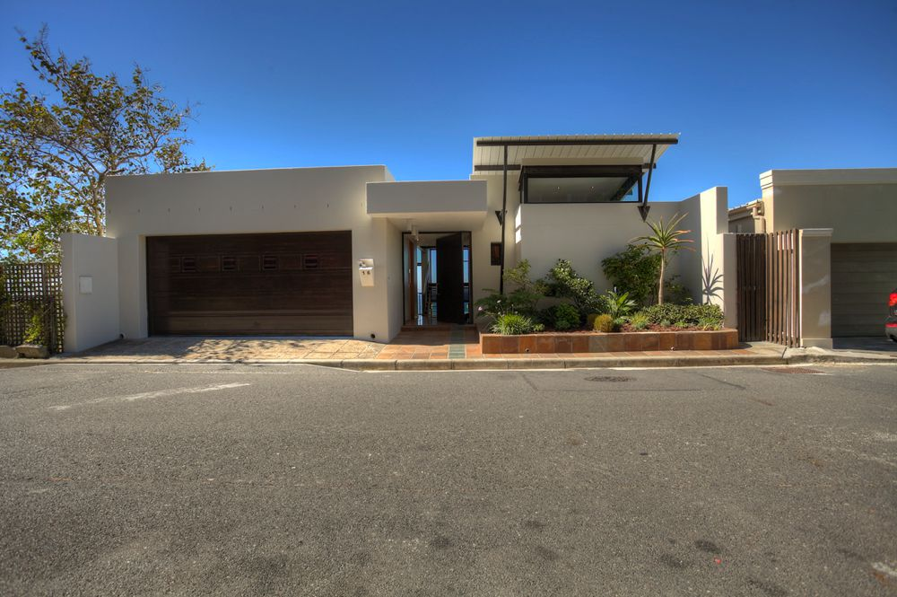 16 Springbok Road (Green Point, 3 Bedrooms)