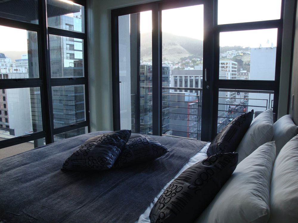 St Georges Apartment (Central CBD, 2 Bedrooms)